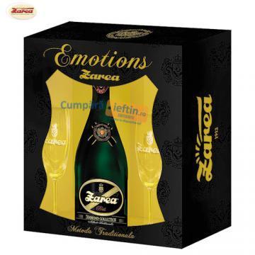 Spumant Zarea Emotions demisec 0.75L cu 2 pahare - Pret | Preturi Spumant Zarea Emotions demisec 0.75L cu 2 pahare