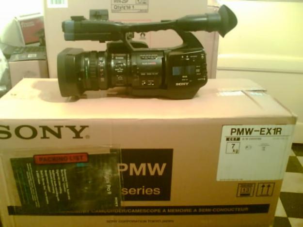 Full HD Sony AX2000. Sony NX5. Sony EX1r . Videocamere Productie, Studio, Nunti ! - Pret | Preturi Full HD Sony AX2000. Sony NX5. Sony EX1r . Videocamere Productie, Studio, Nunti !