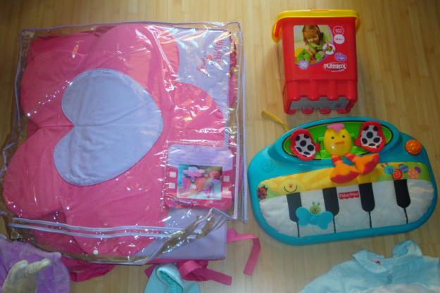 de vânzare haine şi jucării - Pret   Preturi de vânzare haine şi jucării