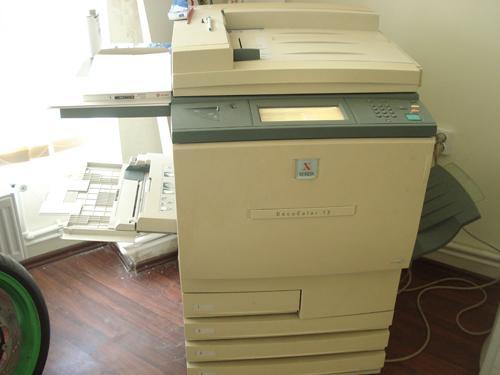 Vand urgent copiator printer scanner color Xerox DC 12 cu Fiery XP12 tipar digital - Pret | Preturi Vand urgent copiator printer scanner color Xerox DC 12 cu Fiery XP12 tipar digital