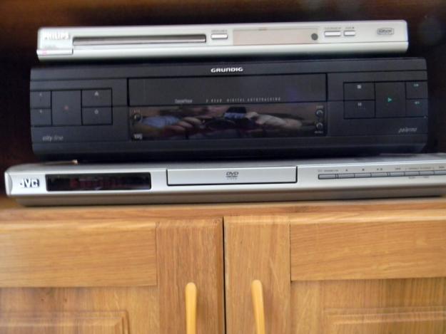 Vind casete video originale 65 de buc. cu 5, 8,10  roni - Pret | Preturi Vind casete video originale 65 de buc. cu 5, 8,10  roni