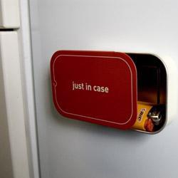 Gadget Cutie magnetica de frigider - Pret | Preturi Gadget Cutie magnetica de frigider