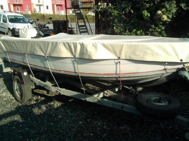 Vand barca aluminiu + motor Evinrude 15 CP + peridoc - Pret | Preturi Vand barca aluminiu + motor Evinrude 15 CP + peridoc