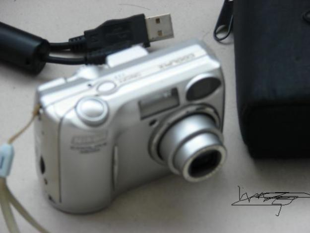 Vand Nikon  Coolpix 4600 - Pret | Preturi Vand Nikon  Coolpix 4600