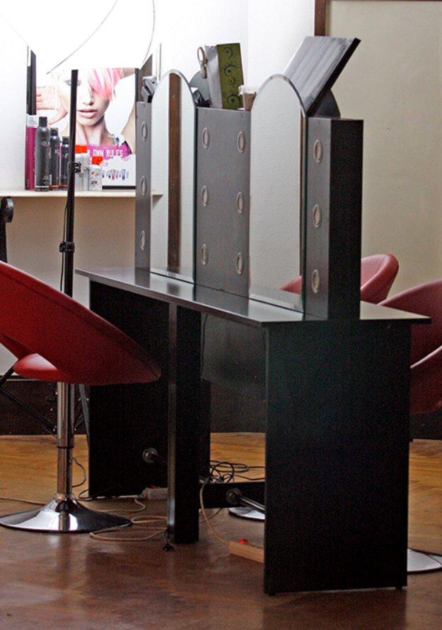 Vand salon mobilier de coafura pret preturi vand salon for Mobilier salon