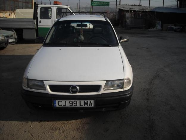 Vand sau schimb cu autoturism mai mic Opel Astra - Pret | Preturi Vand sau schimb cu autoturism mai mic Opel Astra