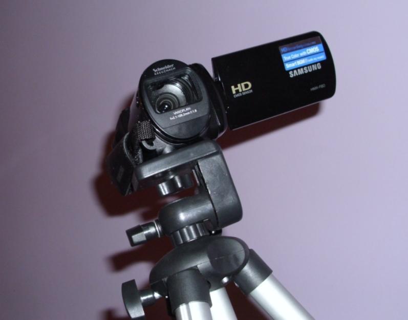 Camera video HD Samsung + trepied - Pret | Preturi Camera video HD Samsung + trepied