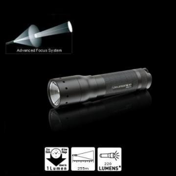 Lanterna Led Lenser M7 4XAAA - Pret | Preturi Lanterna Led Lenser M7 4XAAA