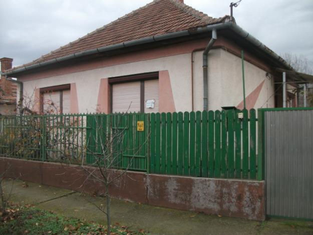 casa cu 1000 mp teren la 18900 euro pret preturi casa cu 1000 mp teren la 18900 euro. Black Bedroom Furniture Sets. Home Design Ideas