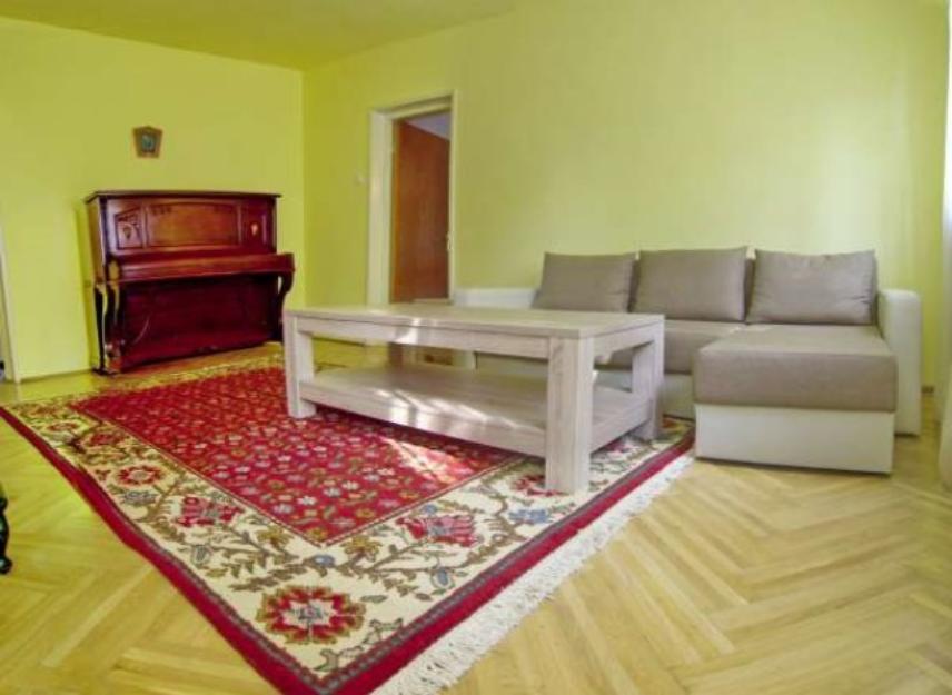 Apartament 3 camere in vila in zona Calarasilor - Pret | Preturi Apartament 3 camere in vila in zona Calarasilor