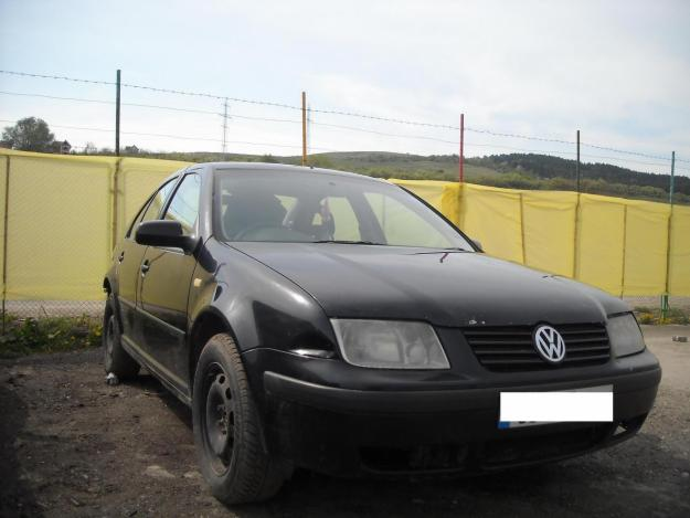 Dezmembrez Volkswagen Bora - 2000 chiulasa - Pret   Preturi Dezmembrez Volkswagen Bora - 2000 chiulasa