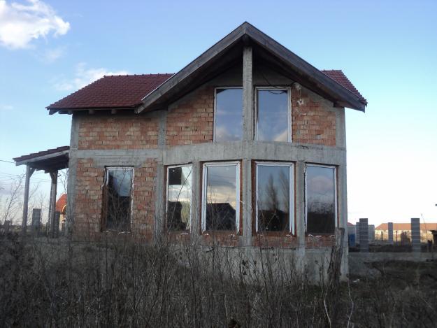 Casa de vanzare in rosu - Pret | Preturi Casa de vanzare in rosu
