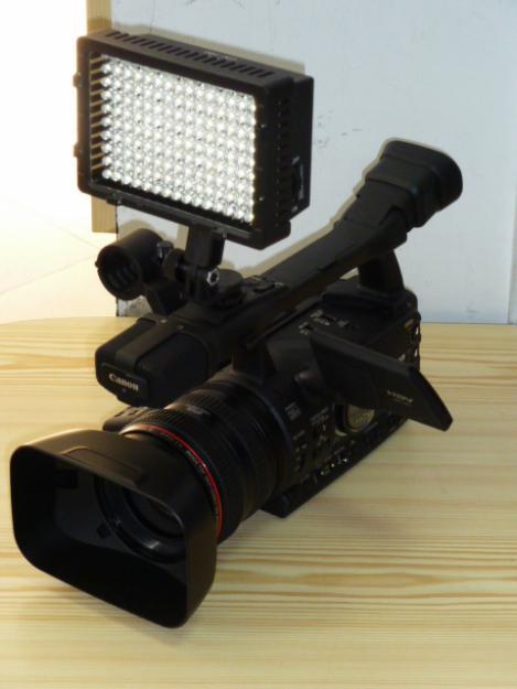 Lampa video-foto CN 126 leduri, dimmer si filtreCN-126 ( LED PANEL ) / NG-126 lampa video - Pret | Preturi Lampa video-foto CN 126 leduri, dimmer si filtreCN-126 ( LED PANEL ) / NG-126 lampa video
