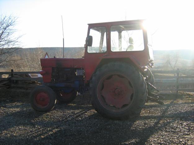 Tractor u 650,plug pp3,semanatoare paioase sup 29 - Pret | Preturi Tractor u 650,plug pp3,semanatoare paioase sup 29