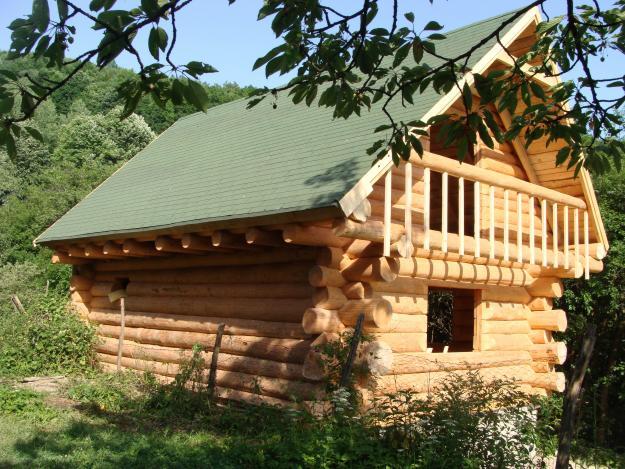 Construim case cabane vile mobilier din lemn rotund for Case de lemn rotund