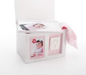Pearhead - Babyprints cutie cu amintiri alba - Pret | Preturi Pearhead - Babyprints cutie cu amintiri alba