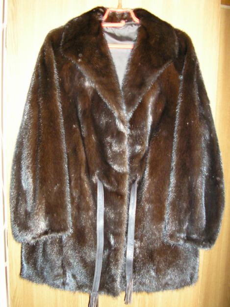 Vand haina de blana din vizon ( nurca ) - Pret | Preturi Vand haina de blana din vizon ( nurca )