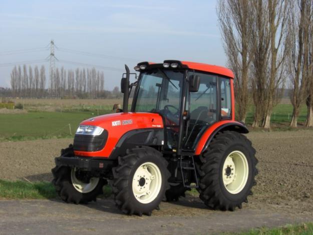 Tractor agricol nou, DK904C, 4x4, 93 C.P. Cabina Deluxe  Turbo sudcorean KIOTI - Pret | Preturi Tractor agricol nou, DK904C, 4x4, 93 C.P. Cabina Deluxe  Turbo sudcorean KIOTI